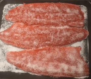 koldroeget-laks-ekstra-salt-300x262